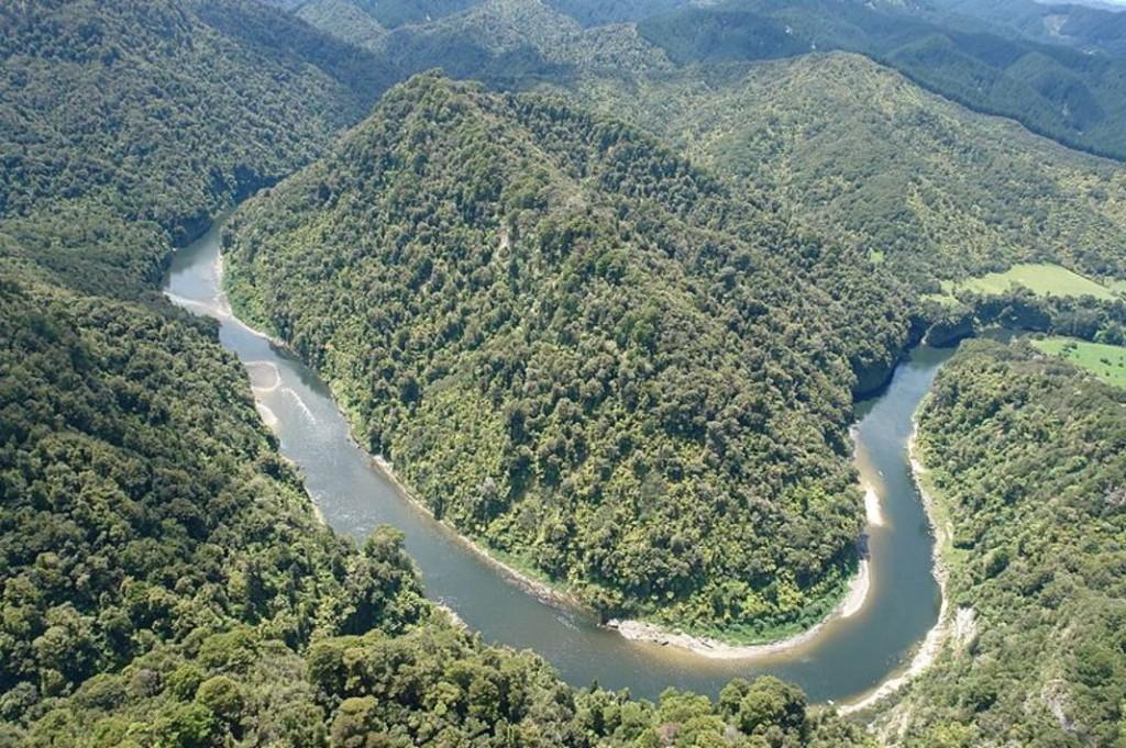 5097267_7_a96f_meandres-encaisses-du-fleuve-whanganui-en_86ad2ec2368154eb6636a9b1f5d2fff5